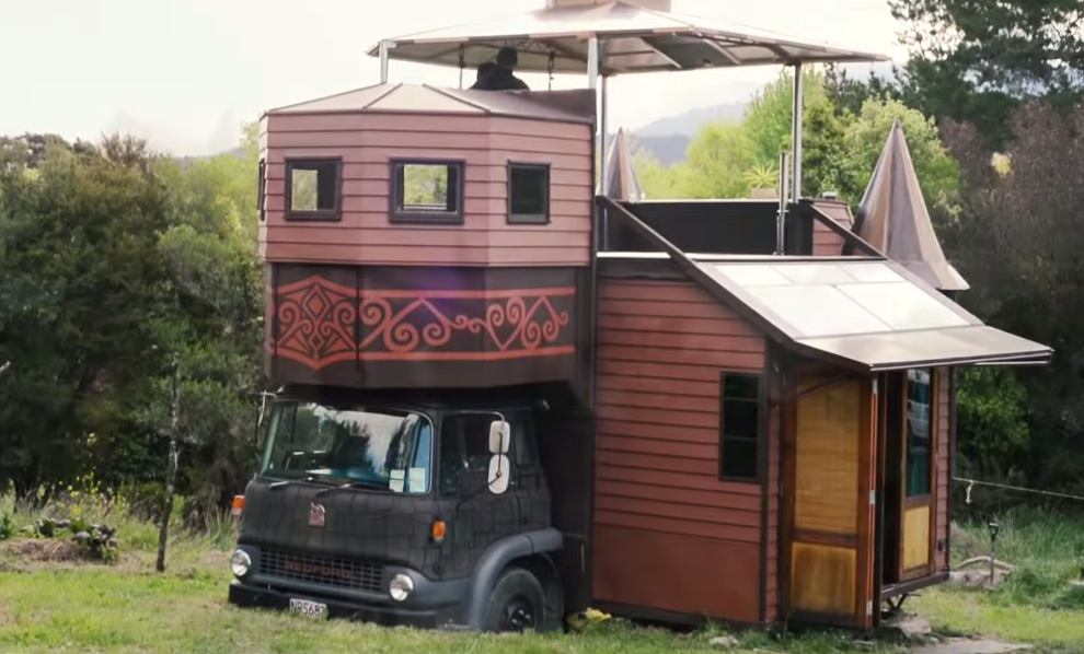 The amazing tiny house castle on a truck for Amazing small houses